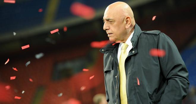 Этим летом Франк деБур мог возглавить Милан— Галлиани