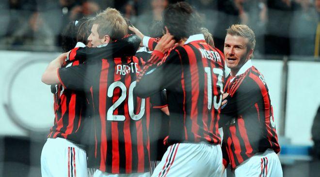 AC+Milan+v+Genoa+CFC+Serie+A+h28hoRIzPQcx