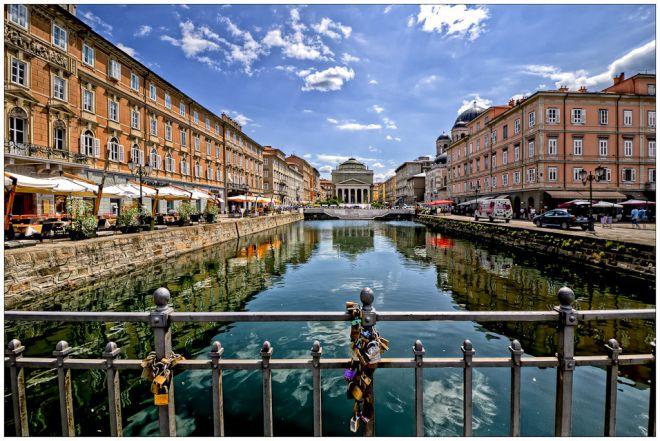 Trieste-canale-grande