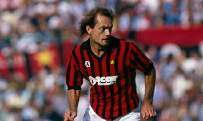ray-wilkins-playing-for-m-007