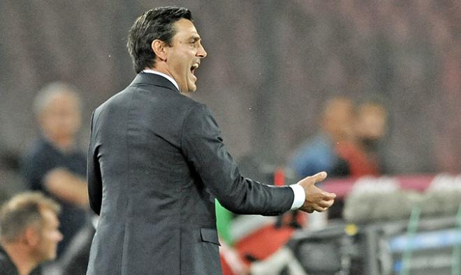 Монтелла: «Милан» подарил «Наполи» две красные карточки