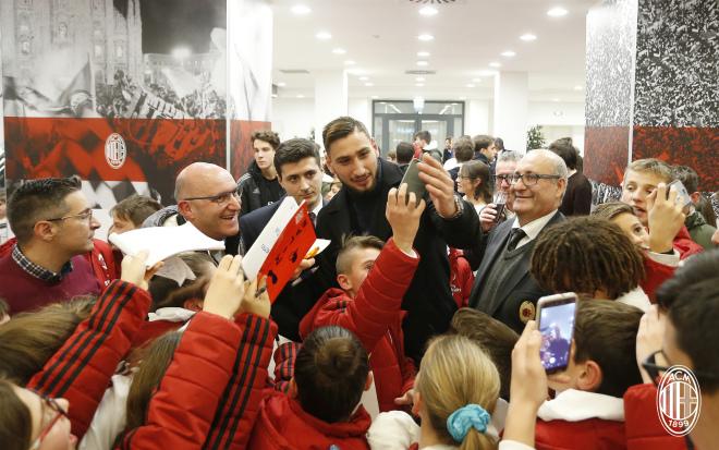 Болельщики итальянского «Милана» довели дослез собственного голкипера